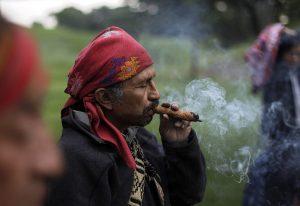 dohányzók