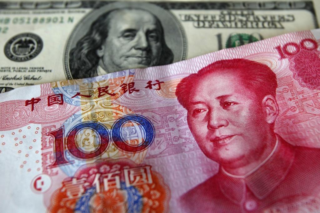 valutacsere, dollár helyett hrivnya és jüan