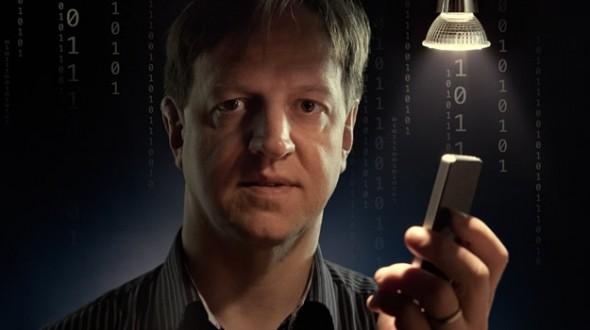 A régi fény helyett. A napenergiás Li-Fi a legtávolabbi helyeken is elérhetővé teszi a világhálót, és a vezeték nélküli kommunikáció sokféle lehetőségét teremti meg - mondta Harald Haas, a kutatás vezetője.