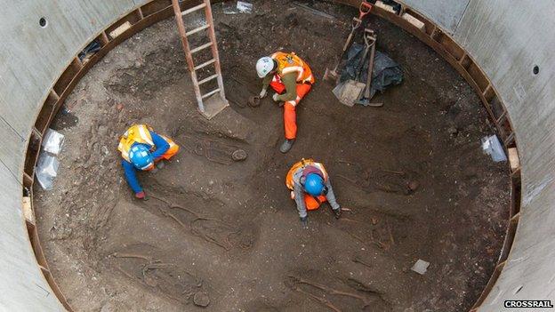 DNS-vizsgálatok megerősítették, hogy pestistemetőt találtak a londoni városi vasút építői