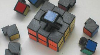 Rubik Ernő találmánya a Rubik-kocka immár tudósok és művészek harmadik generációját inspirálja, és valósággal megtestesíti a magyar kreativitást.