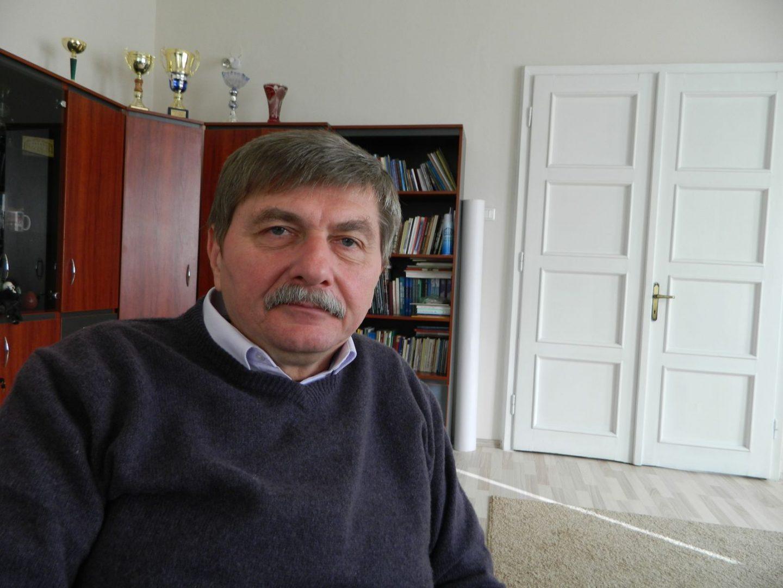ájus 13-án először bocsátanak fel a Székelyföldről a sztratoszférába tudományos műszeregyüttest - közölte kedden az MTI-vel a kísérlet összehangolását végző Csegzi Sándor fizikus, a Marosvásárhelyi Kulturális és Tudományos Szabadegyetem igazgatója.