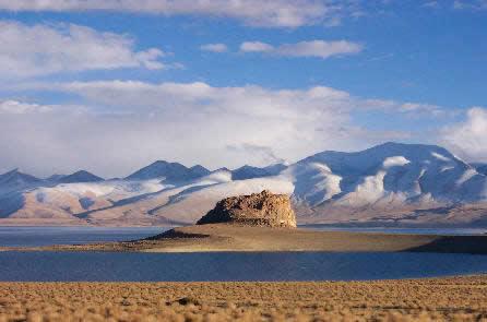 Tibet legnagyobb tava - Már nem a régió legnagyobbja a tibeti szent tó, a Nam-tó (Namtso) - jelentették be a kínai tudományos akadémia kutatói.