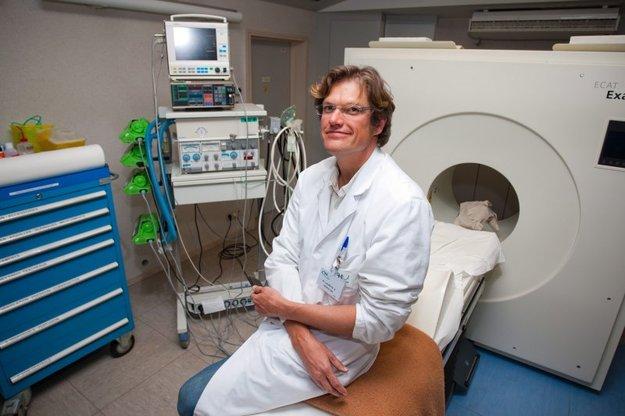 A neurológus, aki azt állította, hogy a halálközeli élmények valóban megtörténhetnek (2013)