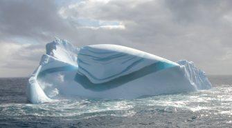 Az Antarktiszon csíkos jege is híres, ugyanúgy, ahogy a kék jég.
