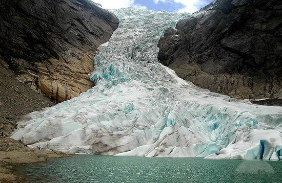 A jég csodálatos megjelenései - Briksdal gleccser