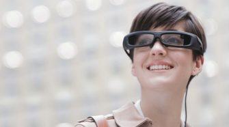 Túl ügyetlen a Sony új okos szemüvege a fennmaradáshoz?