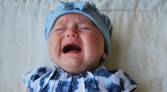 Az éjszakai gyereksírás a csecsemők összeesküvése?