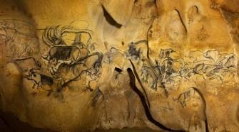 Akár 10 ezer évvel korábbiak is lehetnek a franciaországi Chauvet-barlang állatokat ábrázoló rajzai egy nemzetközi kutatócsoport szerint.