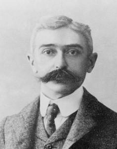 Pierre de Coubertin a Nemzetközi Olimpiai Bizottság egyik alapítója.