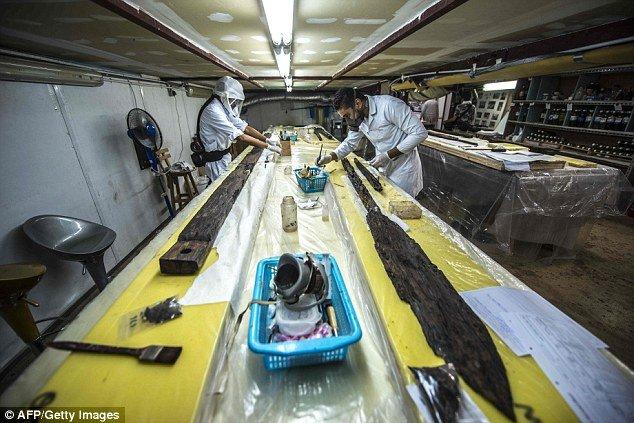 Fáraókat szállító naphajó - fém alkatrészei is voltak