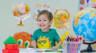 Tourette-szindrómás gyerekek tanulási képességeit vizsgálva különleges eredményeket kaptak az ELTE Pedagógiai és Pszichológiai Kar kutatói. A Tourette-szindrómás gyerekek jobban teljesítettek a tanulási feladatokban, mint a tipikusan fejlődő kontroll csoport tagjai.