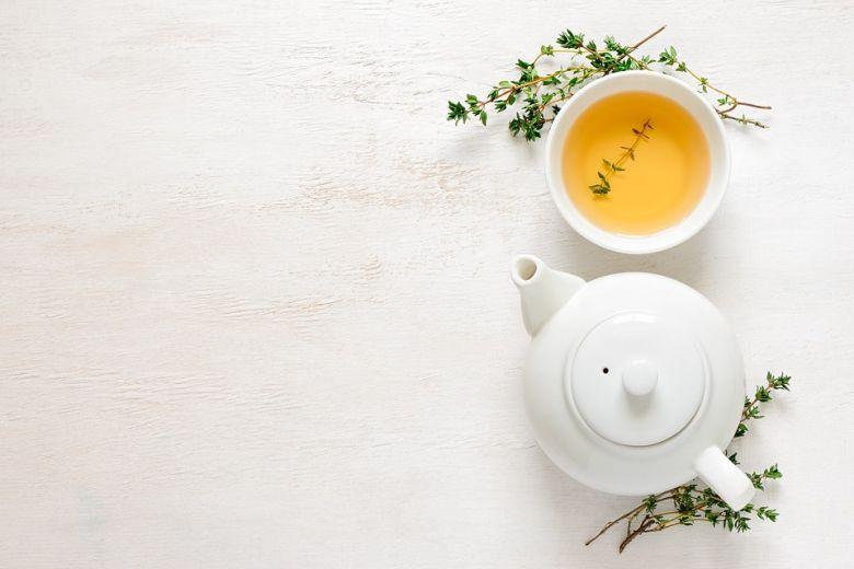 zöld tea - Veleszületett anyagcserezavarok - Egy új, a Tel-Aviv Egyetemen született tanulmány azt sugallja, hogy bizonyos veleszületett anyagcsere-betegségek kezelésekor reménykedhetnek az érintettek a zöld tea és a vörösbor segítségében.