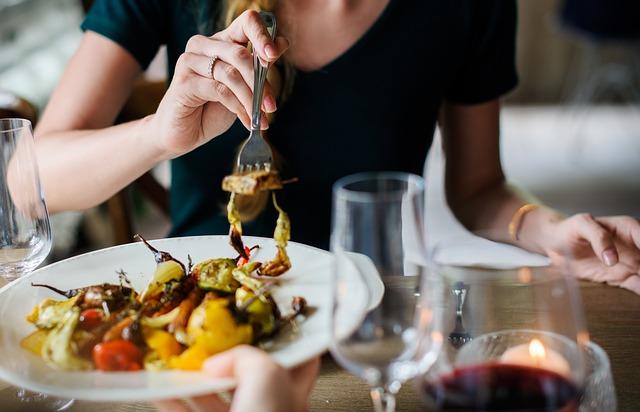 Az étkezés a nők érzelmi jólétére nagyobb hatással van, mint a férfiakéra