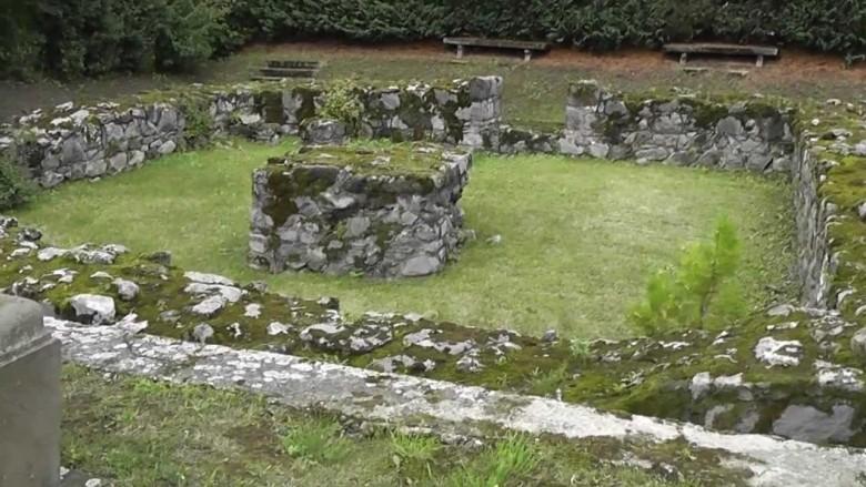 Salamon töke - Salamon király volt a hetedik Árpád-házi királyunk és 1053-1087 között élt. De a visegrádi vár tornyát (Salamon torony) csak a tatárjárás után építették,