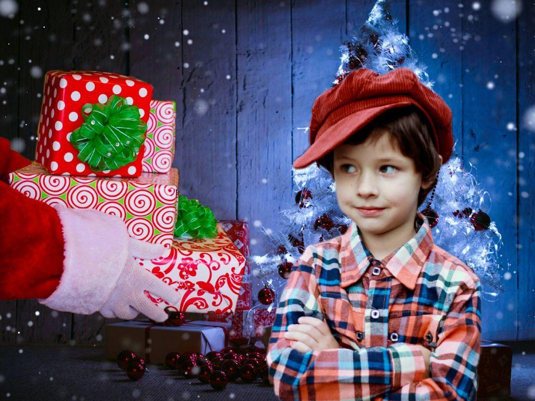 El kellene-e mondani a gyermeknek, hogy nem a Mikulás hozza az ajándékot?