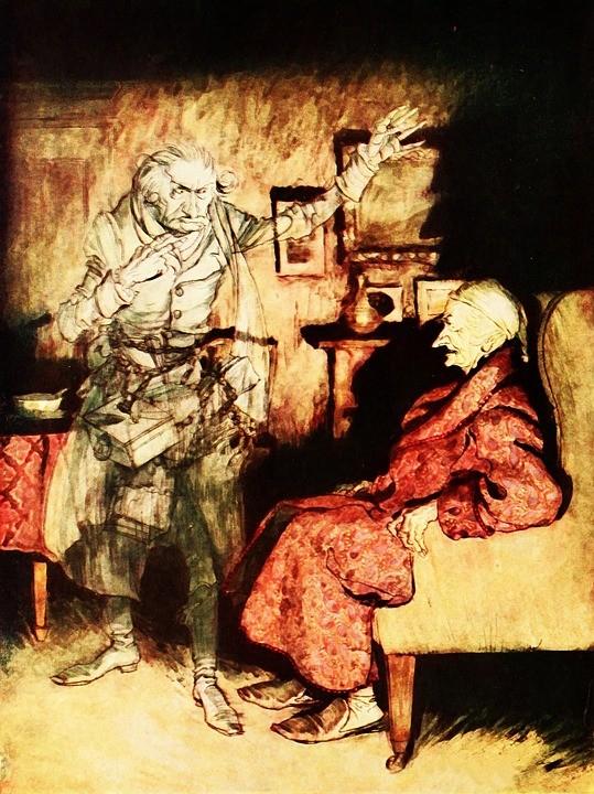 Ott van Charles Dickens három szelleme, a múlt, a jelen és az eljövendő karácsonyok szellemei