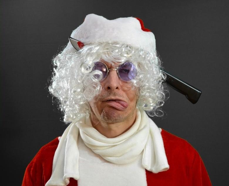 Szörnyűségekre, karácsony kapcsán, nem csak a mesékben és legendákban találunk példákat.