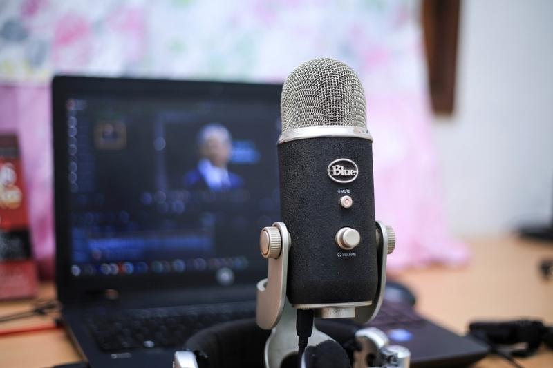 A podcastelés széleskörű lehetőséget biztosít szinte bárkinek, hogy megvalósítsa ötleteit.