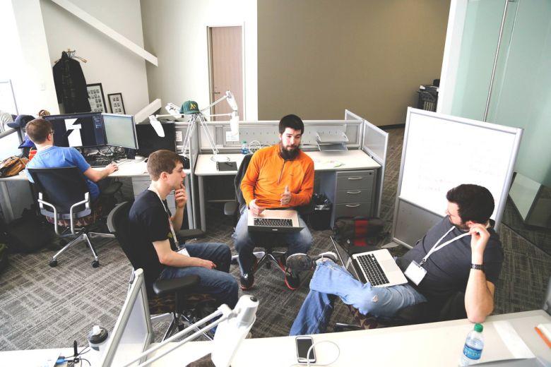 Visszatérve a startupokra, a közel 4 000 kiállító között szép számmal akadnak.