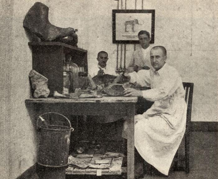 a kiállítás Rihmer László (1904-1982) bányamérnök, geológus, jogász munkásságára is emlékezik.