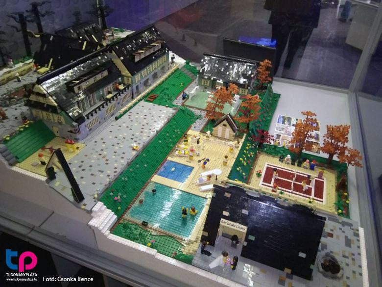Lego hotel diorama - Tudománypláza