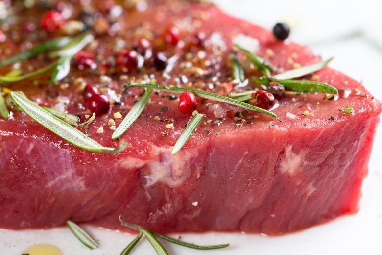 Ez alapján a jelentős vöröshús, valamint feldolgozott húskészítmények növelik az egyes gasztrointesztinális (emésztőcsatornával kapcsolatos) daganatok kialakulását.