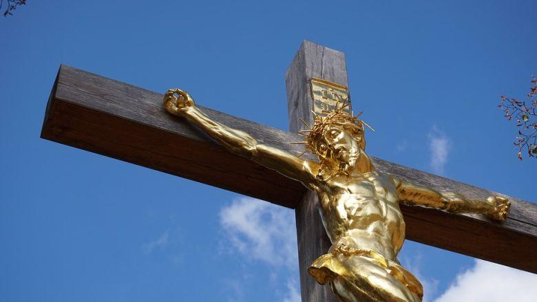 Nagypéntek a húsvétot, a legrégibb és legnagyobb keresztény ünnepet megelőző szent három nap egyike.