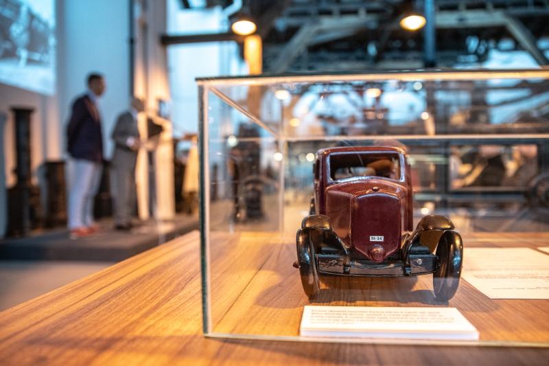 A Közlekedési Múzeum új időszaki kiállítása a hazai járműipar történetében különleges helyet elfoglaló Korbuly mérnökcsalád történetét mutatja be.