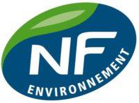 Az NF-Environment Franciaország környezetbarát védjegye. Kizárólag bútorokat és szerelvényeket nyerhetik el a minősítést.