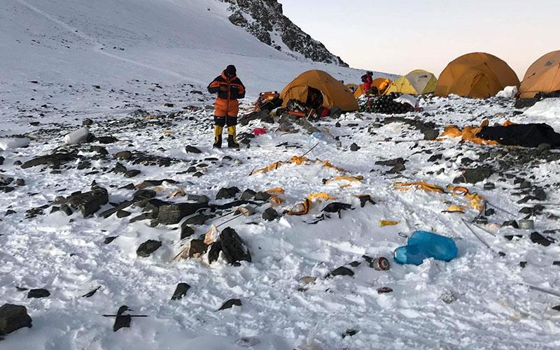 Sok a szemét a Himaláján, ezért kell az ökobarát illemhely.