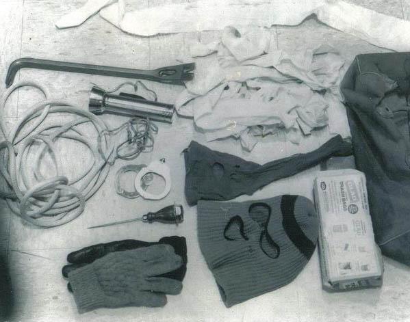 Nem hatotta meg őket Bundy védekezése, miszerint imád síelni és a többi cucc egyszerű háztartási eszköz.
