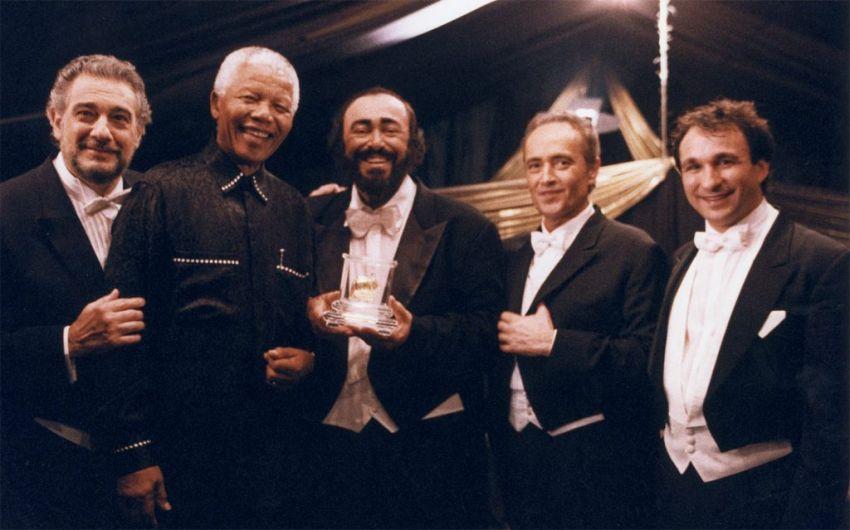 Pavarotti nem volt díva és magának való ember sem. Nagyon szerette a társasági eseményeket, a nagy közös étkezéseket.