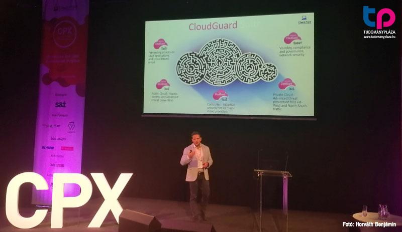 Vilhelm Zsolt, a felhő biztonságáért felelős CloudGuard Dome9 képességeit szemléltette