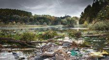 10 000 tonna hulladék a Tiszában