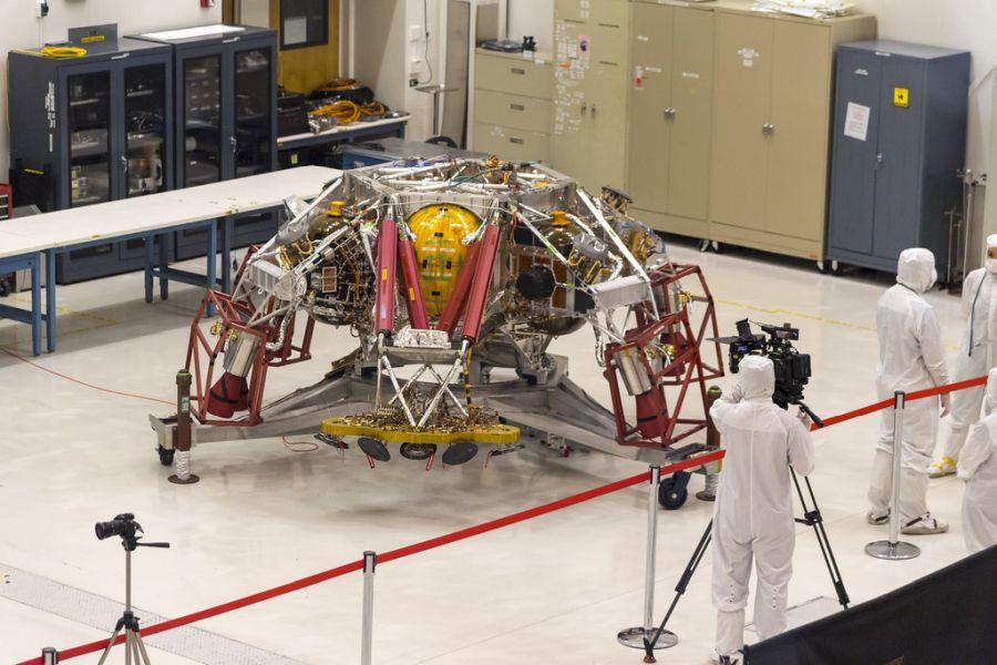 A Mars-2020-at úgy tervezték, hogy a korábbi marsjárókhoz képest jóval több döntést legyen képes meghozni mozgását illetően.