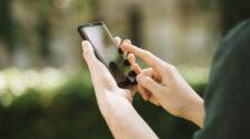 Az okostelefonok és a környezettudatosság kapcsolatát vizsgálják a fiatalok körében.