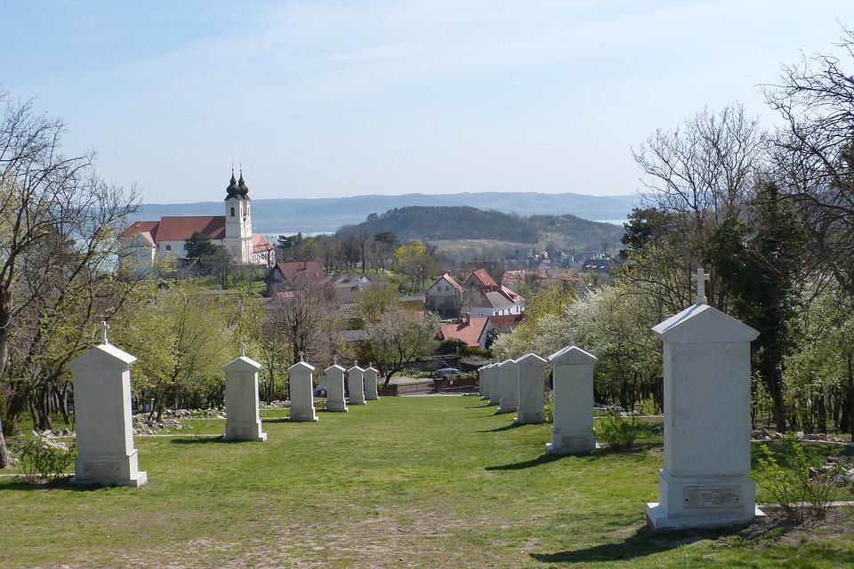 A temetőkert titkai